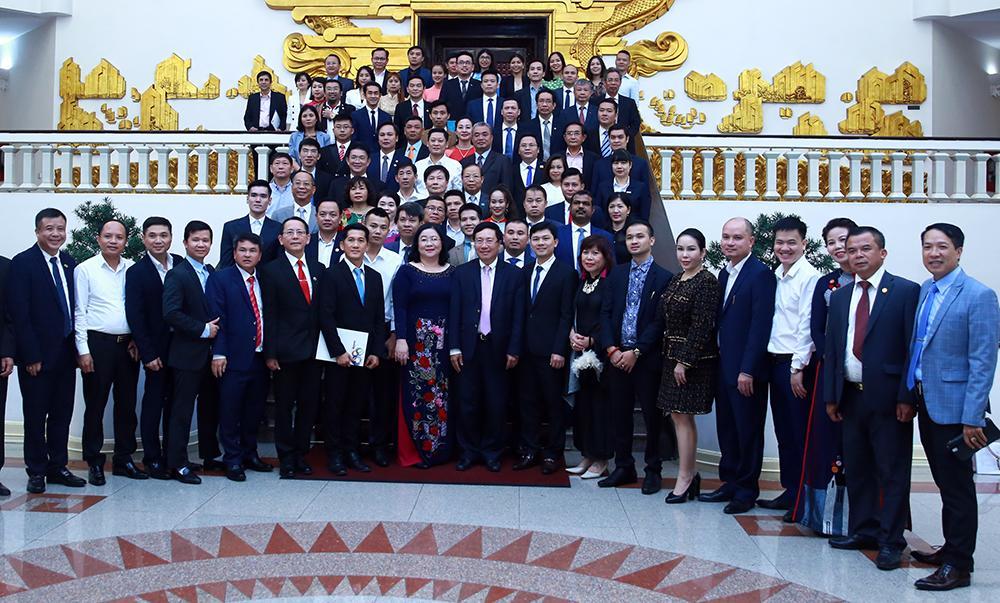 Uỷ viên Bộ Chính Trị, Phó Thủ tướng, Phạm Bình Minh tiếp đoàn doanh nghiệp ASEAN + 3 chiều ngày 05/10/2020