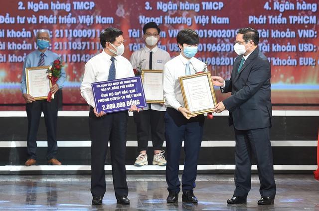 Hơn 6.600 tỷ đồng ủng hộ Quỹ Vaccine phòng chống COVID-19 tại Lễ ra mắt với sự tham dự của Thủ tướng Chính phủ Phạm Minh Chính